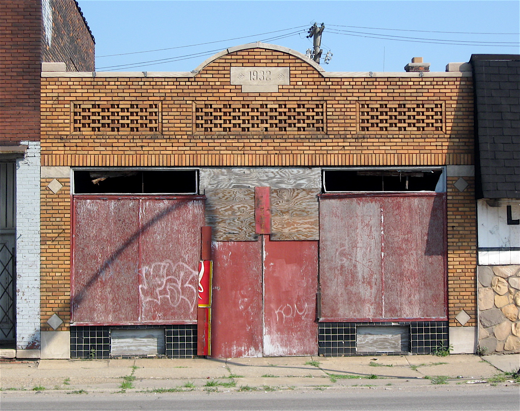 1932-storefront_3231